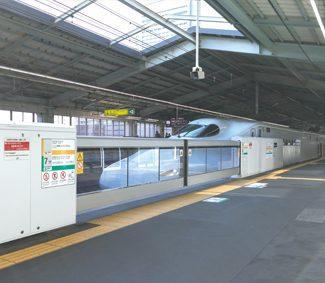 新幹線 可動式ホーム柵