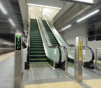 駅舎用エスカレーター J.step